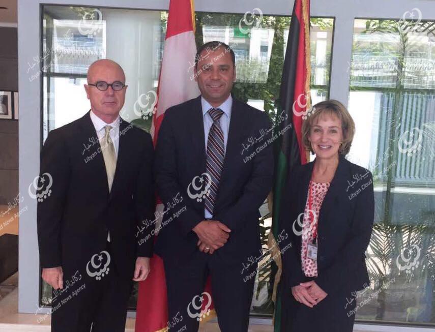 وزير التعليم يلتقي السفير الكندي بالعاصمة تونس