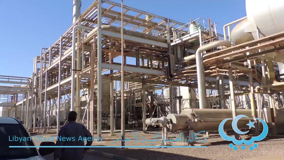 Photo of تعطل إمدادات الوقود يهدد بتوقف تحلية مياه الشرب