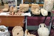 العثور على مجموعة من الآثار والتحف والقطع الأثرية والعملات النقدية شرق طبرق