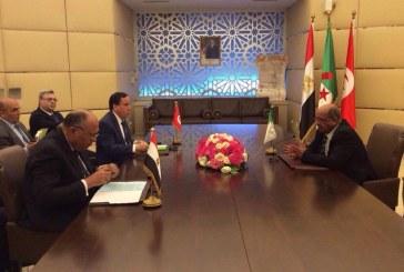 اجتماع وزراء خارجية الجزائر ومصر وتونس لدعم التسوية السياسية في ليبيا