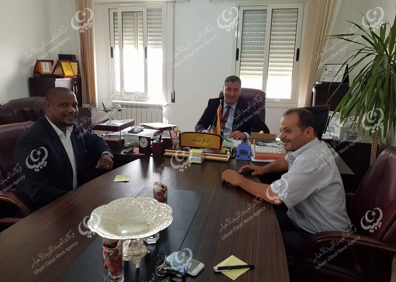 عميد بلدية جالو يتابع مع رئيس هيئة المواصلات والنقل قرارإنشاء مطار تجاري بالمدينة