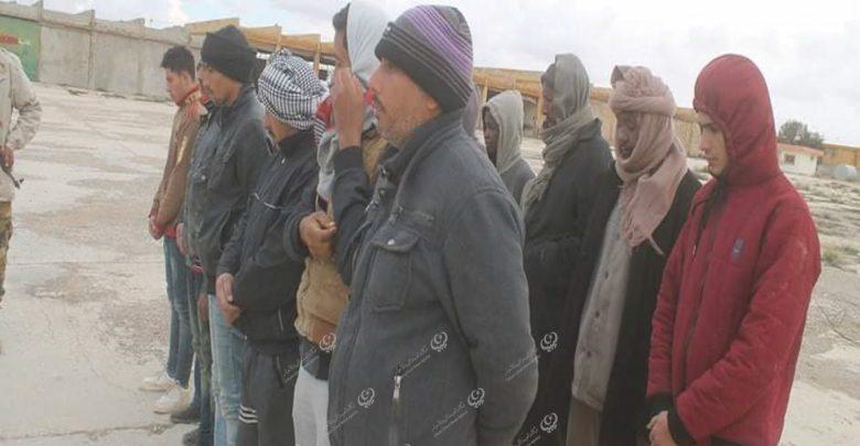 Photo of الكتيبة (501) استطلاع تضبط عددا من المهاجرين غير القانونيين جنوبي طبرق