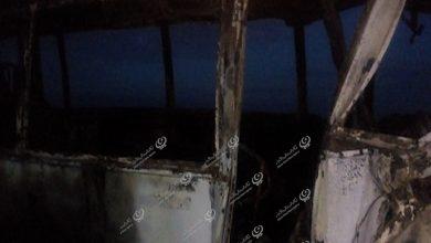 Photo of شاحنة تفقد توازنها وتصطدم بسيارة عسكرية في بوابة البطمة