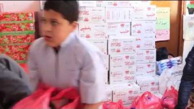 Photo of بلدي سوق الجمعة يوزع مساعدات غذائية على النازحين