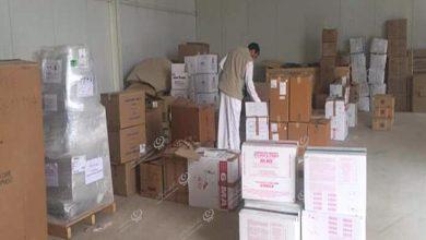 Photo of شحنة من الأدوية والمعدات الطبية تصل لمستشفى الشويرف