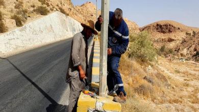 Photo of وحدة الإنارة تواصل حملة صيانة الكشافات وأعمدة الإنارة في شوارع مدينة نالوت