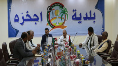 Photo of المجلس التسييري إجخرة يجتمع مع لجنة وزارة الصحة لمتابعة المستشفيات والمراكز الصحية بالواحات