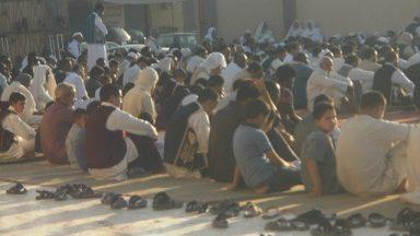 Photo of أهالي نسمة يؤدون صلاة العيد في المسجد العتيق