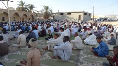 Photo of أهالي جالو يتجمعون في (6) ساحات مخصصة لصلاة العيد
