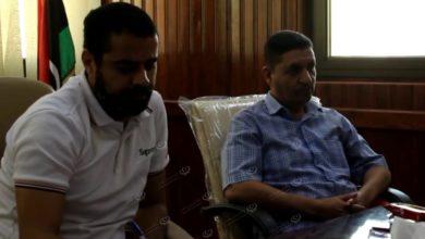 Photo of مدير إدارة المستشفيات يجتمع مع مديرو الخدمات الصحية والمستشفيات بجالو