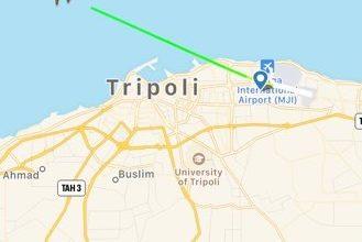 Photo of طائرة للخطوط الليبية تقلع من مطار معيتيقة بعد إعلان عودة الملاحة الجوية فيه