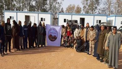 Photo of نادي أصدقاء الحمادة الحمراء يختم زيارته للحمادة بزيارة حقل (الجولف) النفطي