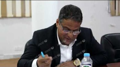 Photo of مدير إدارة المستشفيات يعقد اجتماعا مع مؤسسات وشباب جالو
