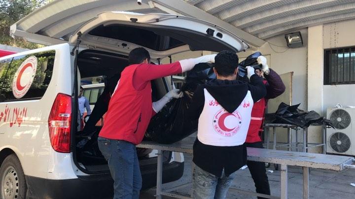 Photo of الهلال الأحمر ينتشل (6) جثامين من منطقة السدرة جنوب طرابلس