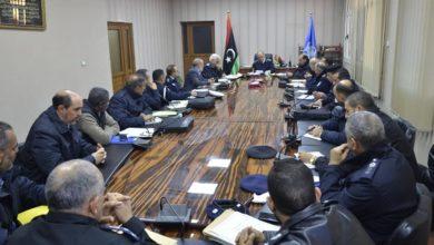 Photo of مدير أمن طرابلس يجتمع بعدد من الضباط لبحث الأعمال التي تخدم منتسبي المديرية