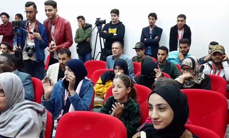 Photo of إحياء اليوم العالمي للإذاعة بكلية الآداب جامعة المرقب في الخُمس