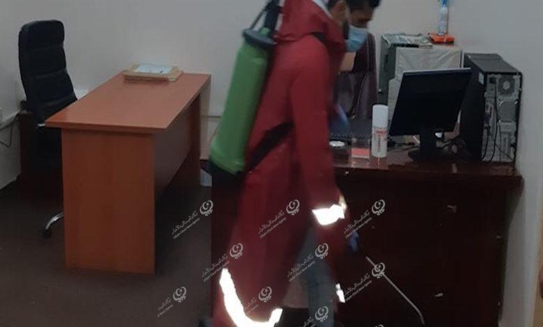 Photo of السلامة الوطنية تقوم بإجراءات التعقيم لمركز جمارك مطار بنينا الدولي