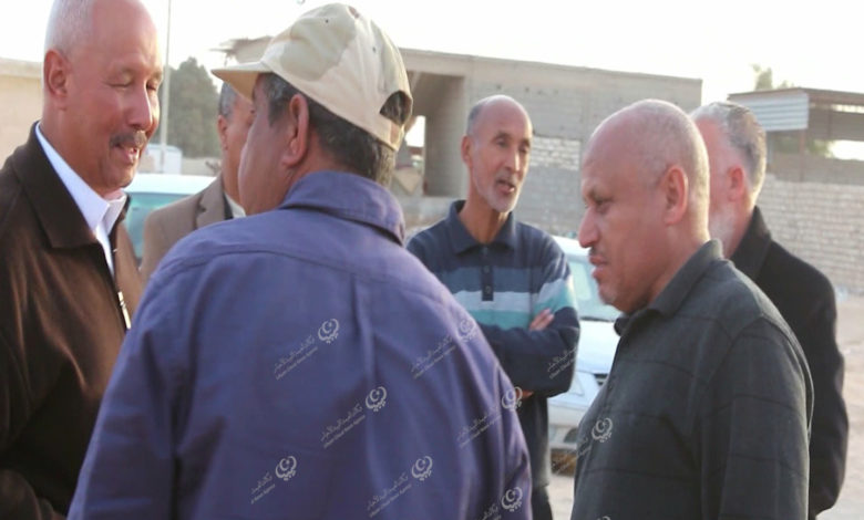 Photo of وفد من هيئة الشباب والرياضة يتفقد ملعب نادي الفتح بجالو