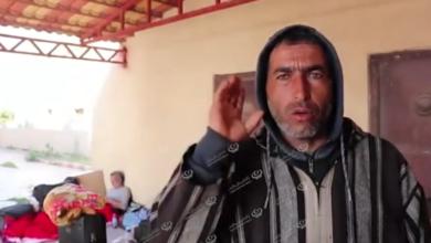 Photo of الهلال الأحمر يقدم مساعدات للعالقين في معبر رأس اجدير
