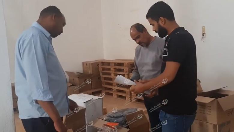 Photo of عدد من رجال الأعمال بالمنطقة الغربية يرسلون تجهيزات طبية للجنوب