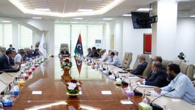 Photo of المؤسسة الوطنية للنفط تناقش الترتيبات المالية مع شركاتها