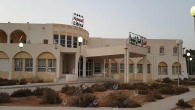 Photo of أسرة تنهي الحجر المنزلي في اجدابيا بعد عودتها من الخارج وآخر تحاليلها سالبة