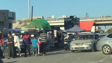 Photo of مواطنون وأصحاب محلات يخرقون قرار حضر التجول مع آخر أيام شهر رمضان