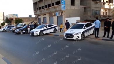 Photo of دوريات مديرية أمن ترهونة تشرف على تأمين وتنظيم حركة المرور صباح يوم العيد