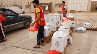 Photo of الهلال الأحمر بني وليد يوزع أكثر من (400) حصة على النازحين