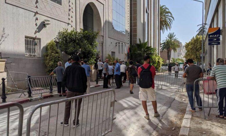 Photo of حالة من الاحتقان بين المواطنين العالقين والراغبين في العودة من تونس