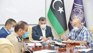 Photo of تشاور بين وزارة الداخلية والمركز الوطني لمكافحة الأمراض حول إعادة فتح الحدود بين ليبيا وتونس
