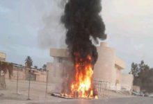 Photo of احتراق سيارة أثناء تعبئة الوقود بمحطة وقود نفط ليبيا بمزدة
