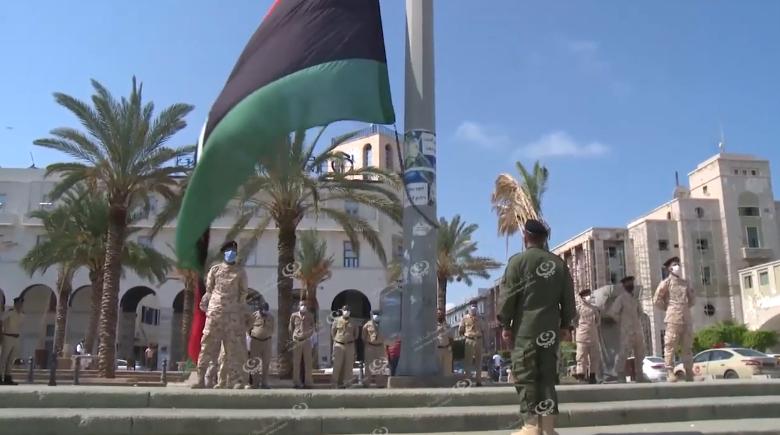 Photo of تنكيس ورفع راية ليبيا في (5) مدن بالتزامن  إحياءً لذكرى يوم الشهيد