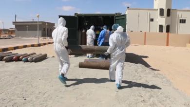 Photo of مصنع الأكسجين بمستشفى شهداء الكوز يمد مراكز العزل بالواحات بعدد (72) أسطوانة يومياً