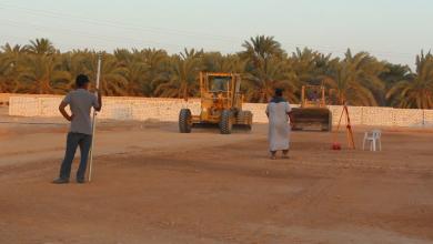 Photo of تواصل أعمال صيانة وتعشيب ملعب نادي الفتح بجالو