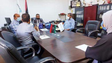 Photo of مناقشة تدريب الباحثين عن العمل بكلية التقنية الإلكترونية في طرابلس