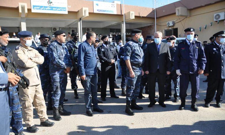 Photo of إعادة فتح معبر رأس جدير واستئناف حركة التنقل البري بين ليبيا وتونس