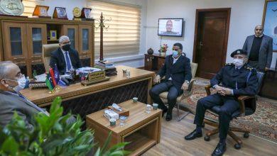 Photo of وزارة الداخلية ومصلحة الجمارك يبحثان تأمين المنافذ ومنع عمليات التهريب