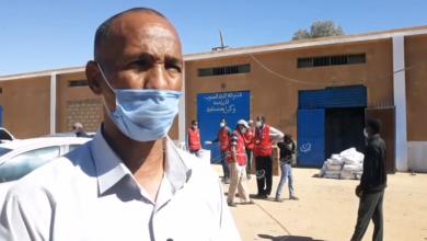 Photo of الهلال الأحمر أوباري يوزع مساعدات على نازحي مزرق بمناطق وبلديات وادي الآجال