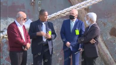 Photo of وكيل وزارة المواصلات لشؤون الموانئ يزور السفينة (ليدي حلوم) عقب إنقاذها وتعويمها