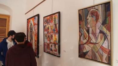 Photo of بيت إسكندر للثقافة والفنون يستضيف المعرض الفني (إصرار) بلوحات تتحدى جائحة (كورونا)