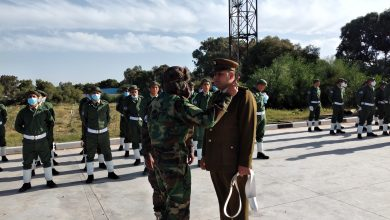 Photo of مراسم تخرج الدفعة الخامسة من المنتسبين لدورة التجنيد بقوة مكافحة الإرهاب بالخمس