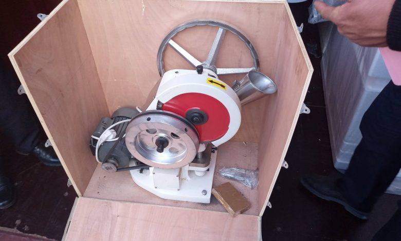 Photo of ضبط آلة معدة لتصنيع الأقراص المخدرة نوع (ترامادول) بميناء الخمس