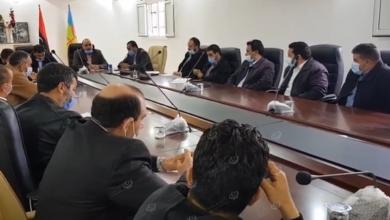 Photo of اجتماع داخل المجلس البلدي كاباو بخصوص المناقشة في افتتاح المدارس رغم جائحة (كورونا)