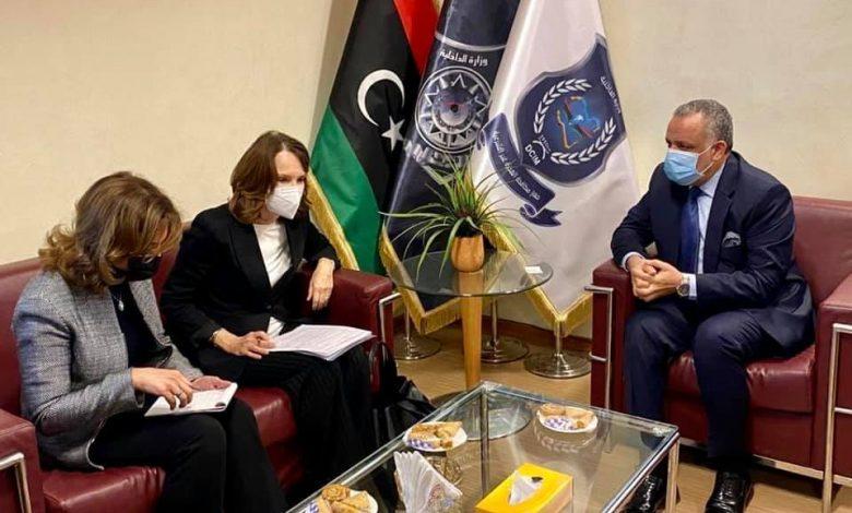 Photo of رئيس جهاز مكافحة الهجرة غير الشرعية يجتمع مع منسقة الشؤون الإنسانية ببعثة الأمم المتحدة لدى ليبيا