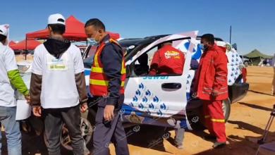 Photo of فحص إجراءات السلامة وتحميل مسار (رالي قصر كاباو) على أجهزة (GPS) للمشاركين في السباق