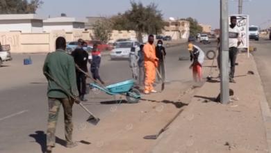 Photo of حملة تطوعية بعنوان (الديسة أحلى) لتنظيف الطريق العام في أوباري