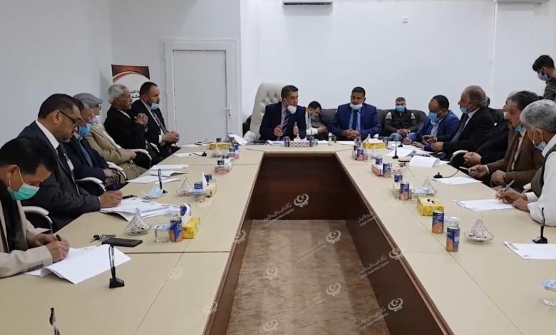 Photo of وزير التعليم يعقد اجتماعا باجدابيا لتدارس أهم الخطط وتنفيذ القانون رقم (4)