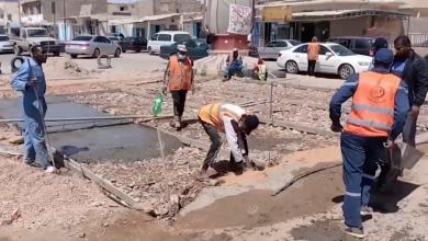 Photo of شباب الغريفة يرممون الطريق المتضرر في وسط المدينة