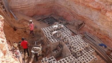 Photo of حفر بئر مياه للتخلص من مياه المجاري والصرف الصحي (السوداء) في حي السبعين بغدامس